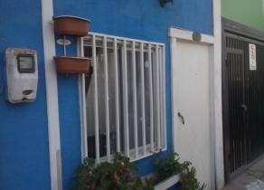 Casa de tres dormitorios, baño, patio. Errázuriz-Orella