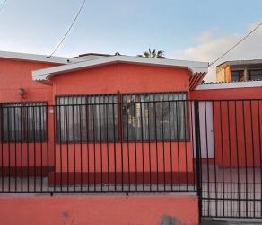Hermosa casa de tres dormitorios, amplio terreno. Tadeo Haenke-Gamboni