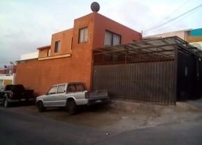 Hermosa casa sector Sur de Iquique. Pedro Prado-Doctor Neghme